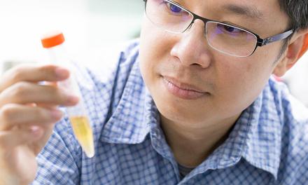 宛若細菌偵探的演化生物學家 郭志鴻