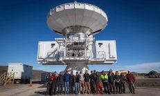 把望遠鏡搬到格陵蘭?!觀測黑洞的瘋狂天文學家
